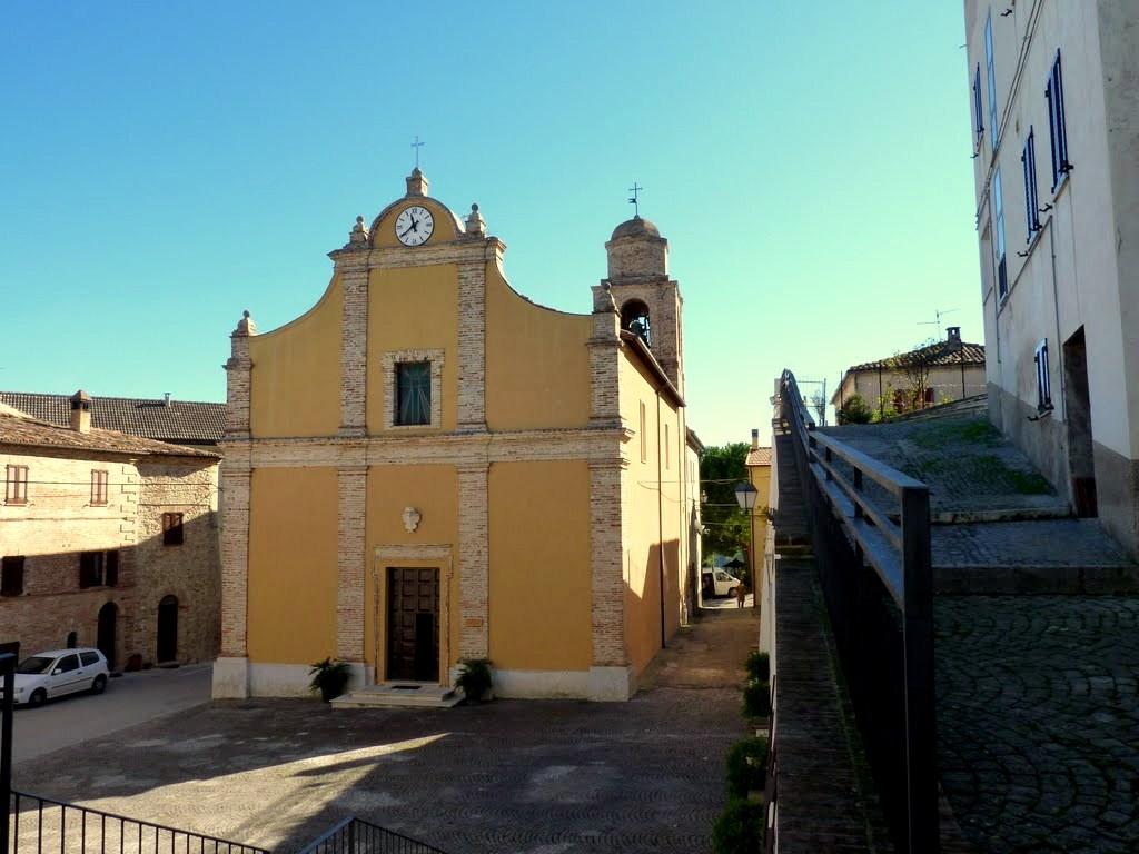 foto chiesa santa lucia e rocco a capradosso